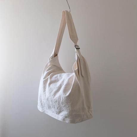 帆布メッセンジャーバッグ