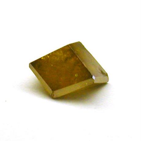金色ダイヤモンドの結晶