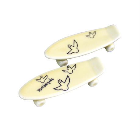 Mark Gonzales / skate board chopstick rest (yellow)