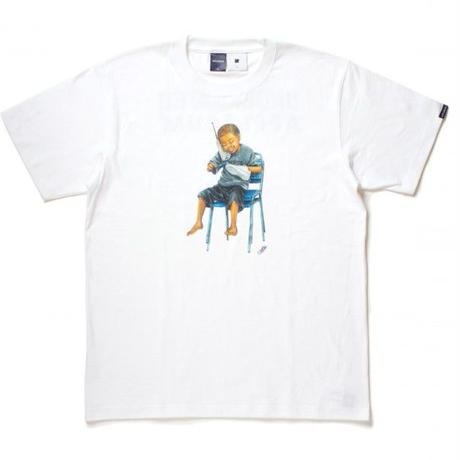 APPLEBUM x UNDEFEATED CLEAN UP TEE