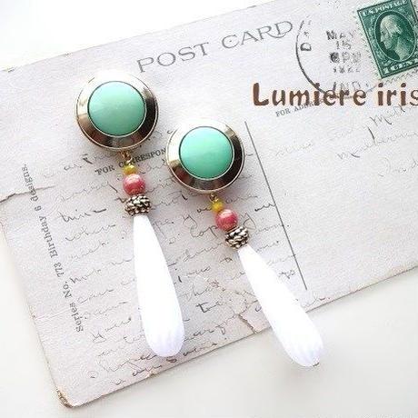 Vintageボタンミントグリーン×ホワイトピアス/イヤリング