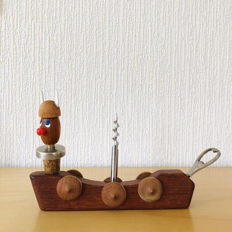 チークのバイキング船/ワインオープナー、コルクの栓とボトルオープナー