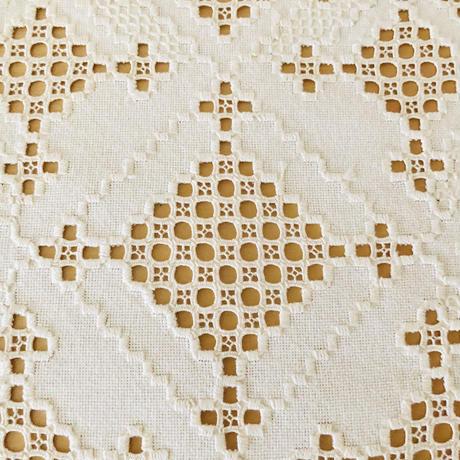 ハダーンガー刺繍のセンタークロス