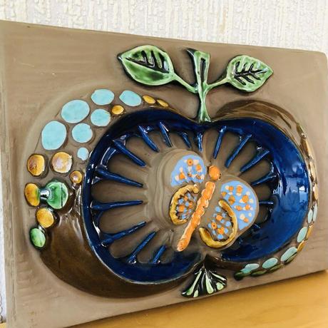 Jie Gantofta/ジィガントフタ/陶板/りんごと蝶々