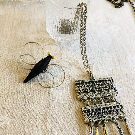 北欧ヴィンテージアクセサリー/Aarikka/アーリッカ/蝶ちょのブローチ