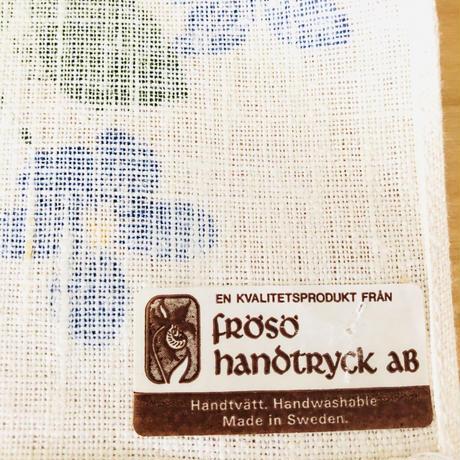 Frösö Handtryck/フルーソー ハンドプリント/一面に満開のヴィオラのお花