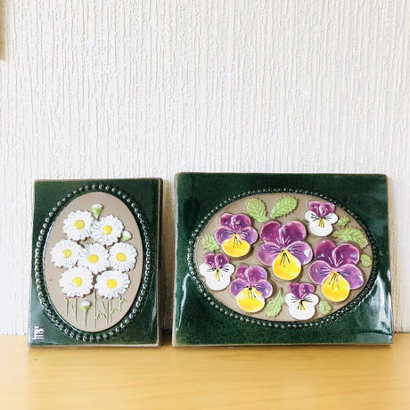 Jie Gantofta/ジィ ガントフタ/陶板/ヴィオラとマーガレットのお花柄/2枚セット