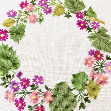 北欧刺繍/ドイリー/リネン地