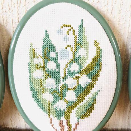 スウェーデン刺繍の壁飾り/スズランのお花柄/Gästrikland/ゲストリークランド地方