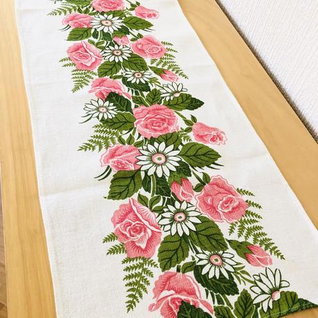 Frösö Handtryck/フルーソー ハンドプリント/センタークロス/ピンクのバラと白いお花にシダ