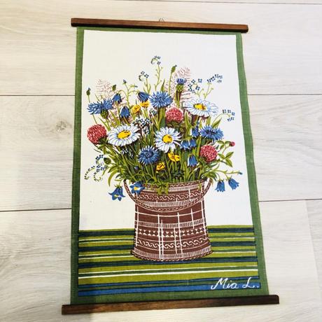 Frösö Handtryck/フルーソーハンドプリント/タペストリー/花瓶いっぱいの夏至の花々/木製枠付き