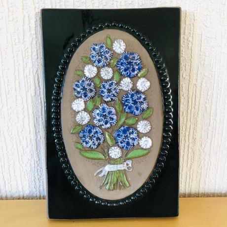 Jie Gantofta/ ジィガントフタ/陶板/矢車草と白いお花の花束