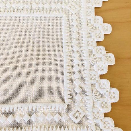 ハダーンガー刺繍&北欧刺繍のドイリー/2枚セット