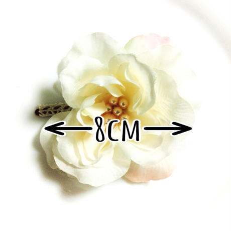 a-4*小さな白い薔薇の髪飾り