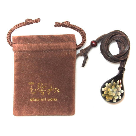 [MFN2-33] mini spread flower pendant
