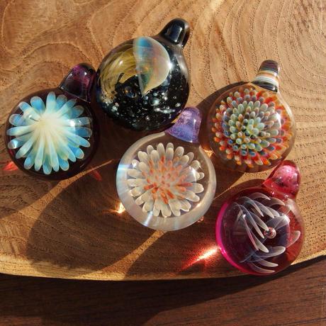 [FCG-11]gradation clear flower pendant