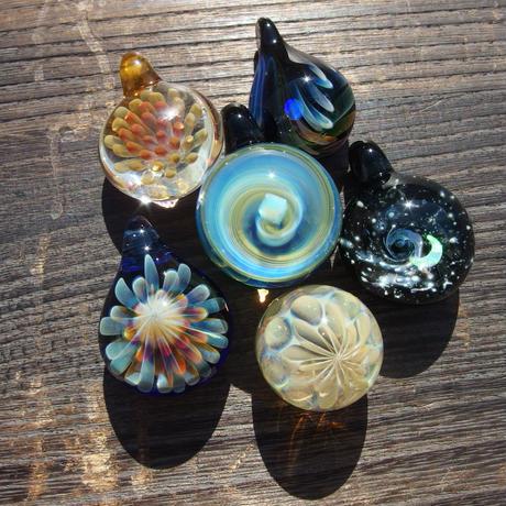 [MCF-32]mini clear flower pendant