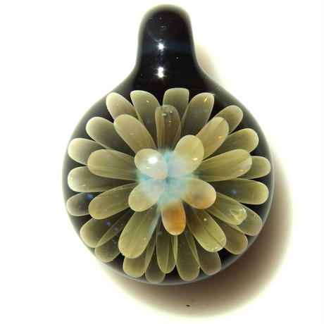 [FG-56] gradation flower pendant
