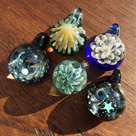 [MCUN2-85] mini clear unber flower pendant