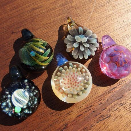 [FCG-12]gradation clear flower pendant