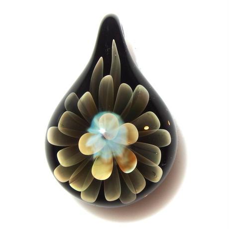 [MFN2-38] mini spread flower pendant