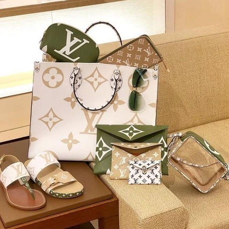 2019 LOUIS VUITTON★★Giant Onthego Tote Bag in creme