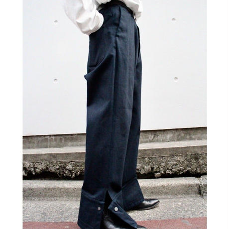 UNDER VOLUME SNAPED PANTS【NVY】