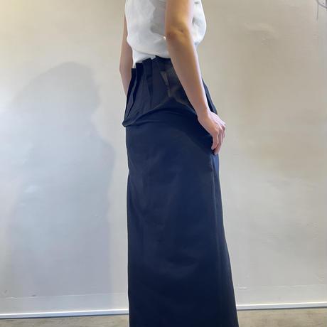 ブラックリサイズスカート