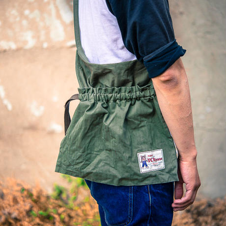 TCB40's RED CROSS APRON BAG OLIVE