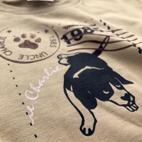 ビーグルイラストTシャツ:ピー