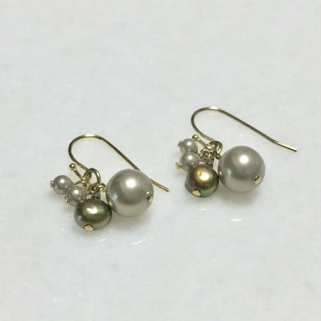Deadstock shellbeads & waterpearl earrings