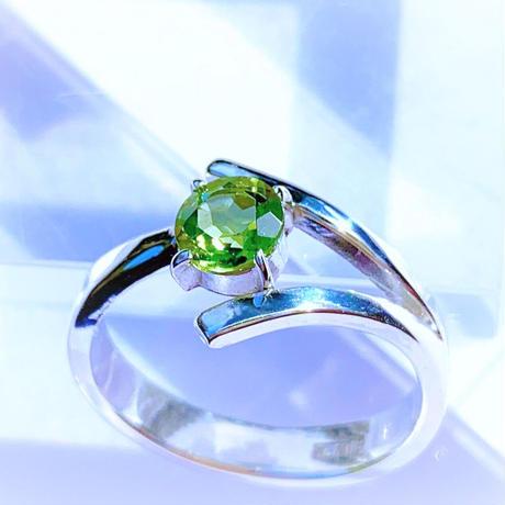 Dリング(縁結び)緑 ペリドット