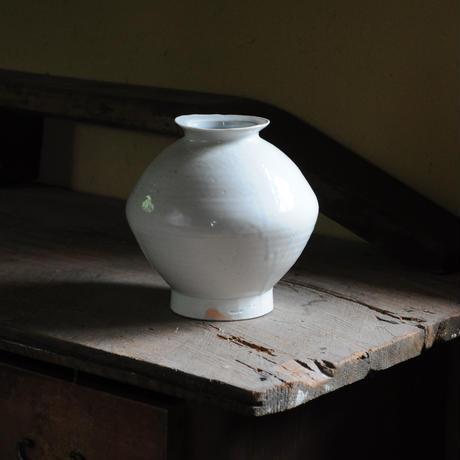 5 白瓷壺