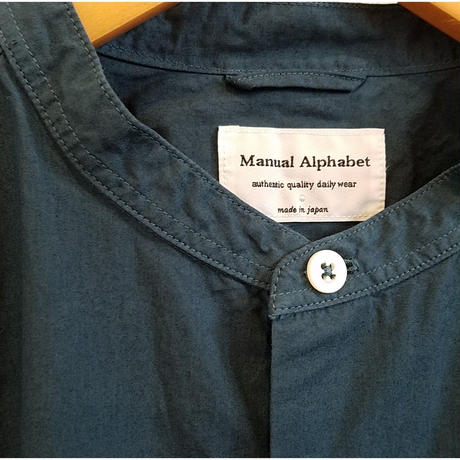 MANUAL  ALPHABET[マニュアルアルファベット]/loose fit band collar sht