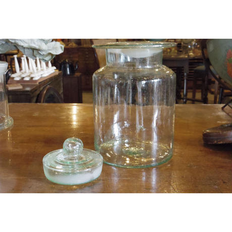 蓋つきガラス瓶