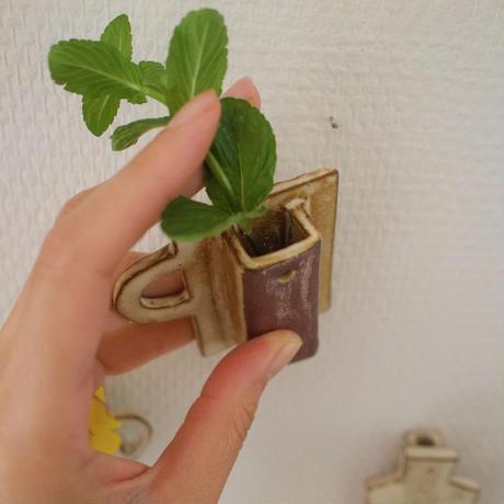 壁掛けフラワーベース(D) / Wall Hanging FlowerBase(D)