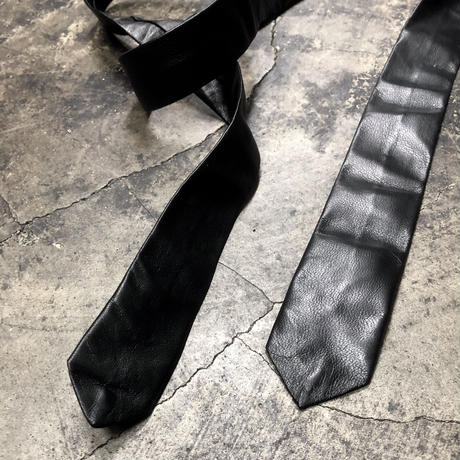 LEATHER NARROW TIE