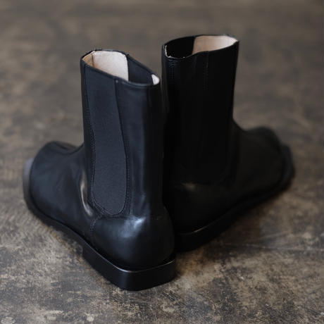 SQUARE TOE SIDE GORE  BOOTS