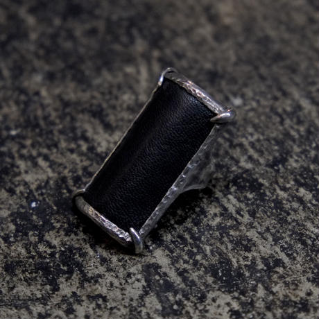 LEATHER PICTURE RING [ T.A.S X DEW ]