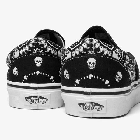 Vans | Classic Slip-ON (BLACK/TRUE WHITE)