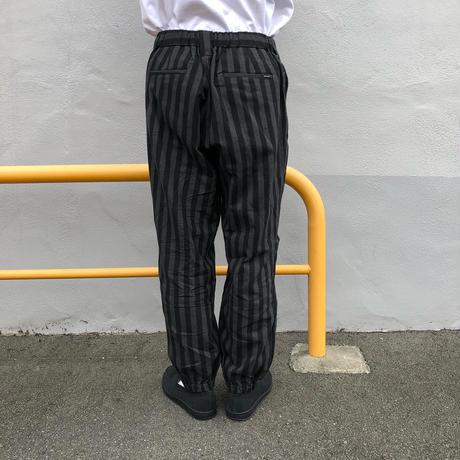 Oh!theGuilt / LOOSE JOGGER PANT (ブラック/グレーストライプ)