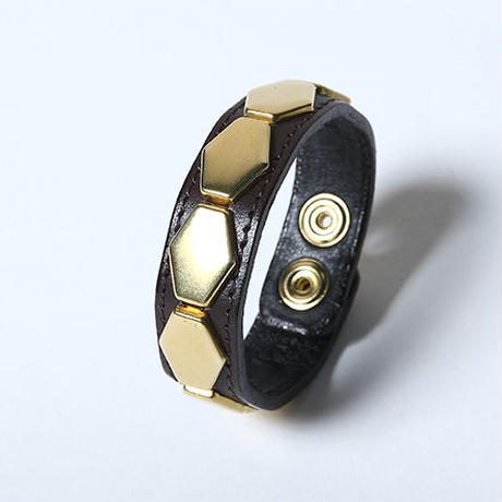 Oh!theGuilt : LEATHER HEXAGON WRIST BAND Ⅱ (ブラウン/ゴールド)