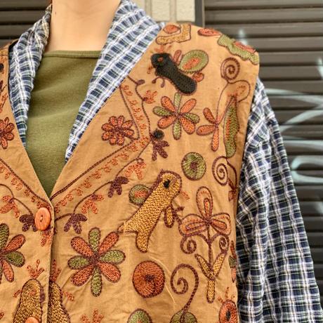 インドコットン 刺繍 ベスト