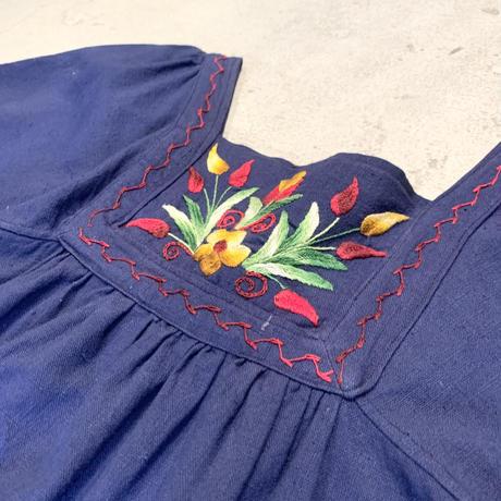 チューリップ刺繍 ワンピース