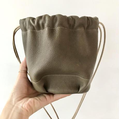 Inswirl KINCHAKU BAG SMALL【OLIVE】