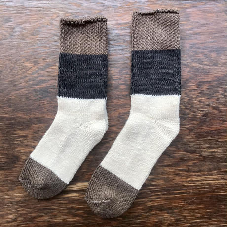 ASEEDONCLÖUD   Seasonal socks   モカ