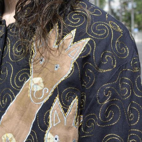 キリンアップリケ付き 刺繍ジャケット