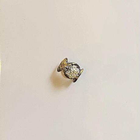 Jona    dot ear cuff / white (M)