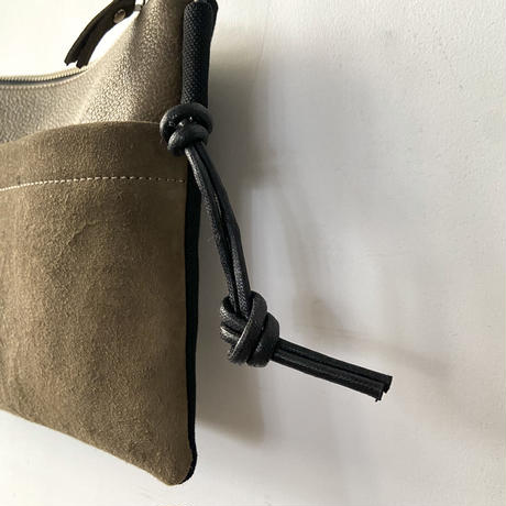 Inswirl  SACOCHE BAG  【 OLIVE 】