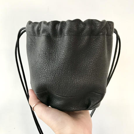 Inswirl KINCHAKU BAG SMALL【BLACK】